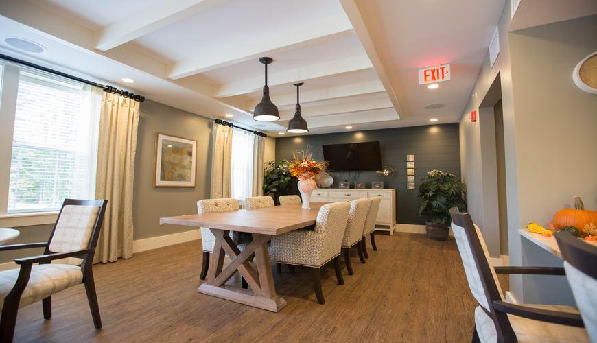 Sebaiknya  Memilih Jenis Flooring Kayu Biasa Atau Eksotis?
